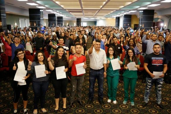entrega-de-becas-plan-20-20-tegucigalpa-30