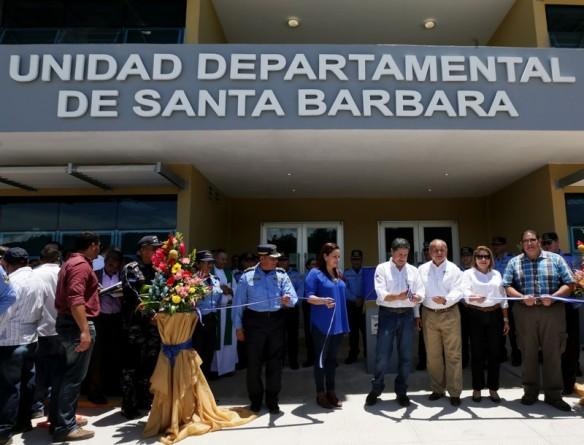 Más_seguridad_para_miles_de_hondureños_con_nueva_sede_policial_de_Santa_Bárbara_____2